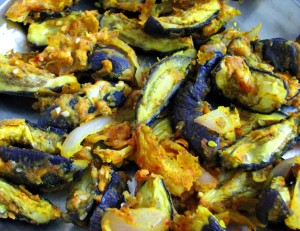 Eggplant wedges with chickpea flour (baked)