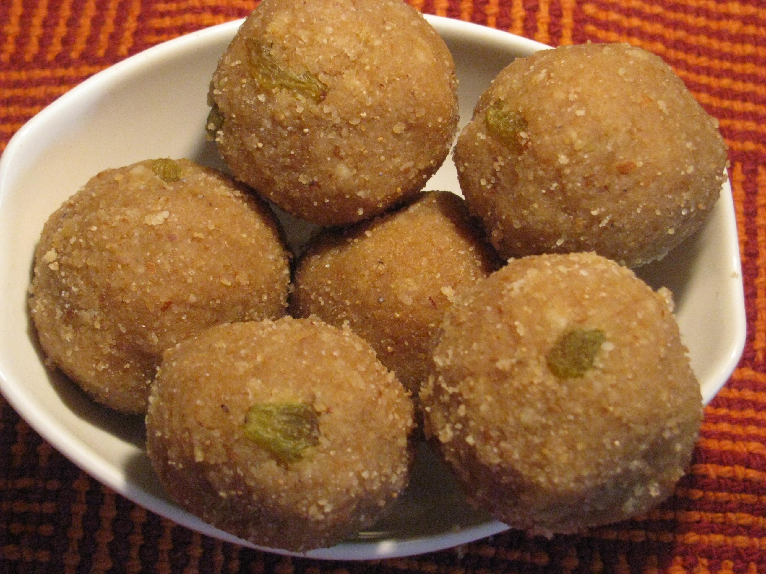 Various Cake Recipes In Marathi: Churma Ladoo Recipe