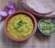 Pithla Bhakri Thecha -- Maharashtrian Comfort Food
